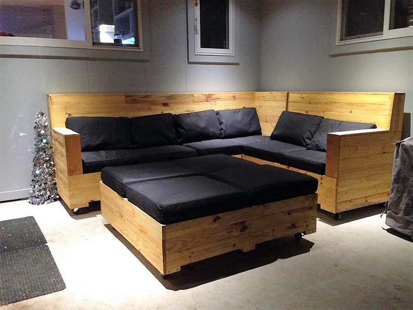 pallet-corner-sofa-with-table