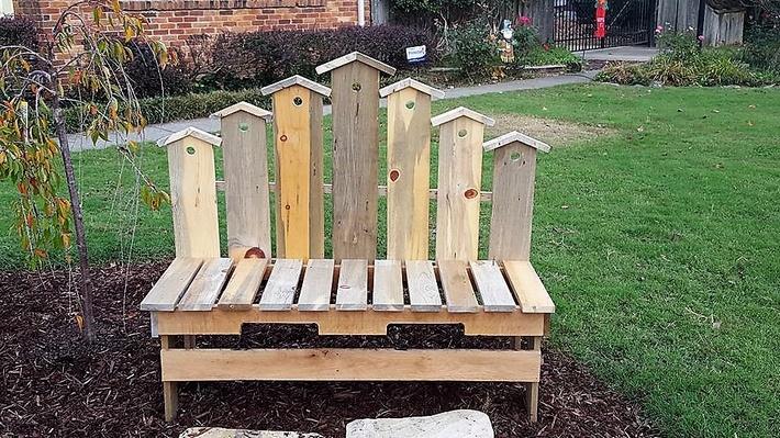 pallet-garden-bench