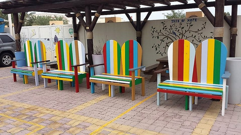 pallet-made-outdoor-benches