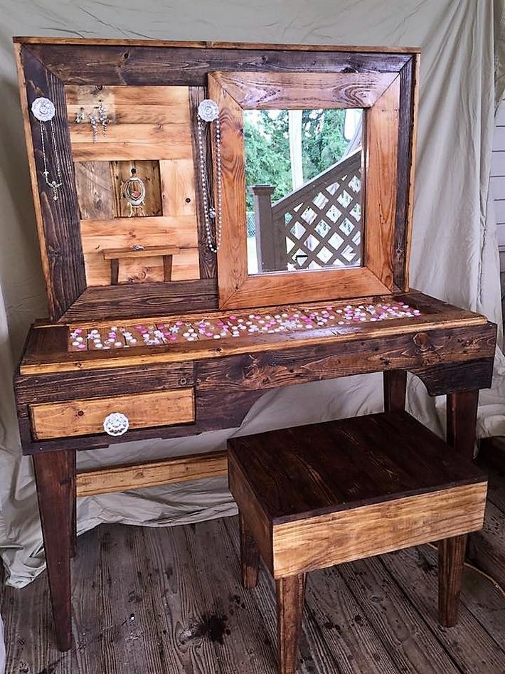 pallet-made-vintage-vanity