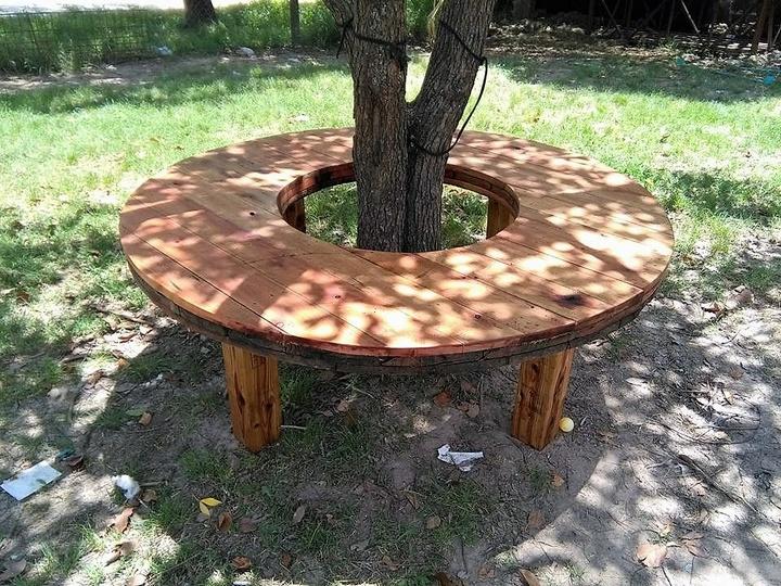 pallet-tree-bench-idea