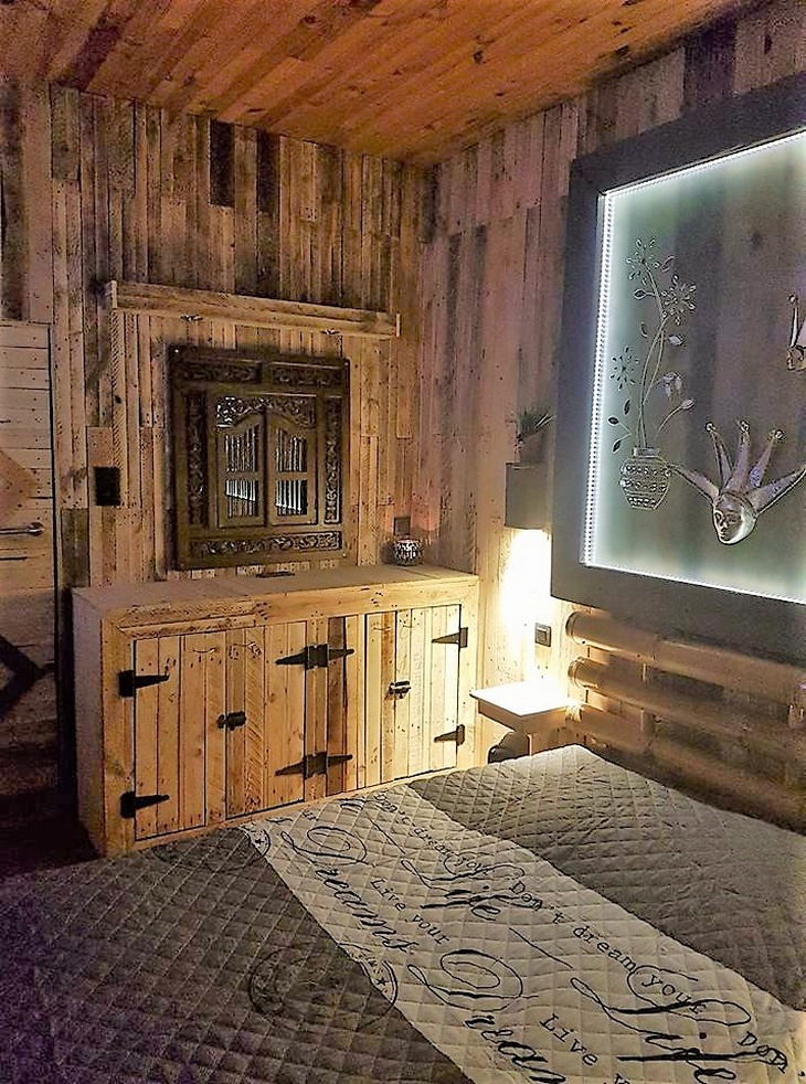 pallet-wood-powered-room-2