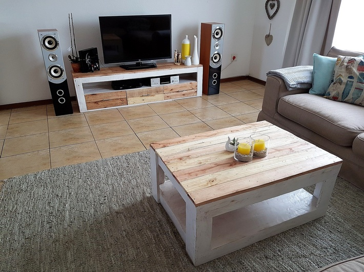 pallets-media-cabinet-coffee-table