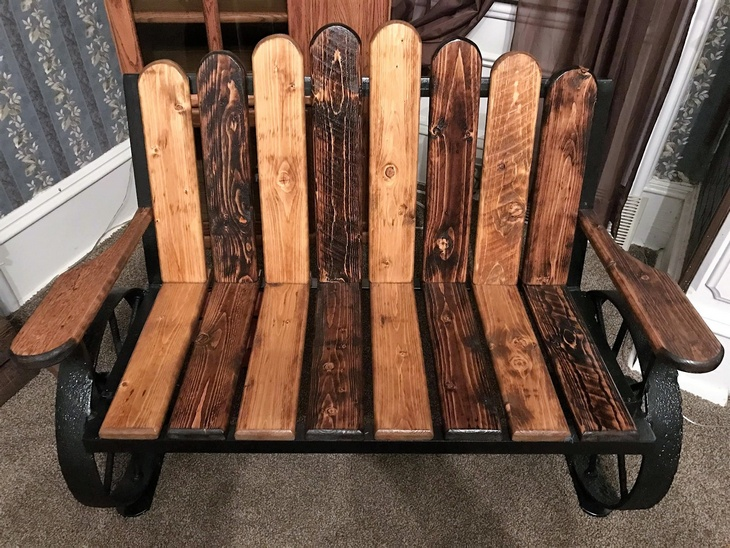 reclaimed-wooden-pallet-bench