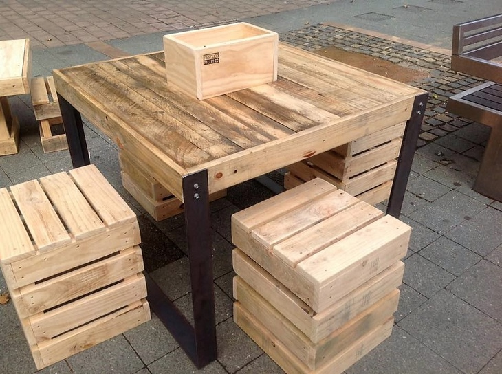 reclaimed-wooden-pallet-furniture-set