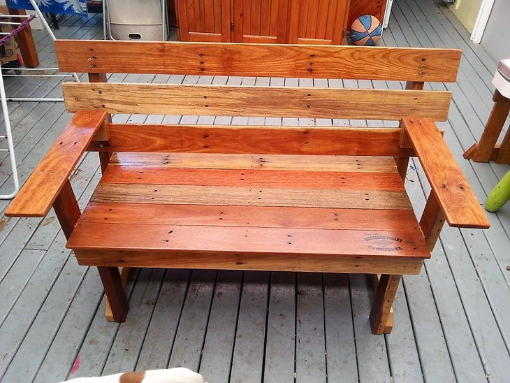 recycled-pallets-bench