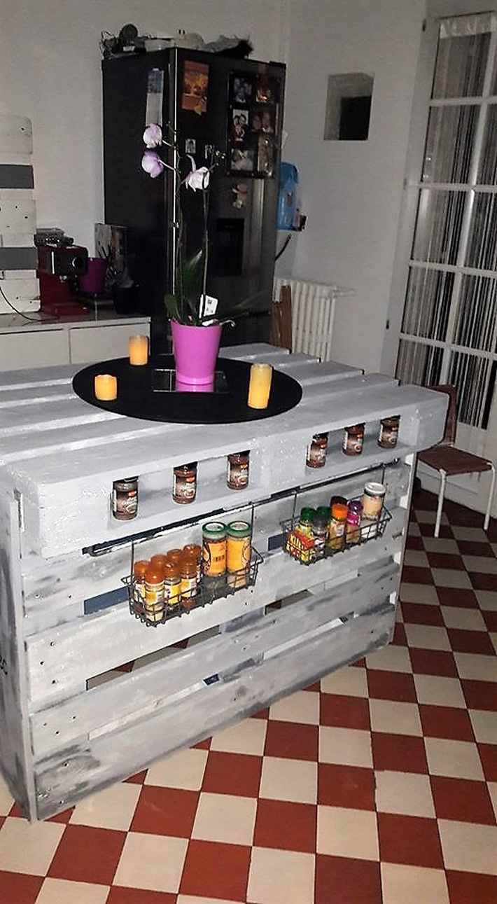 wood-pallet-kitchen-island