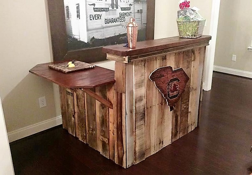 wood-pallet-made-bar
