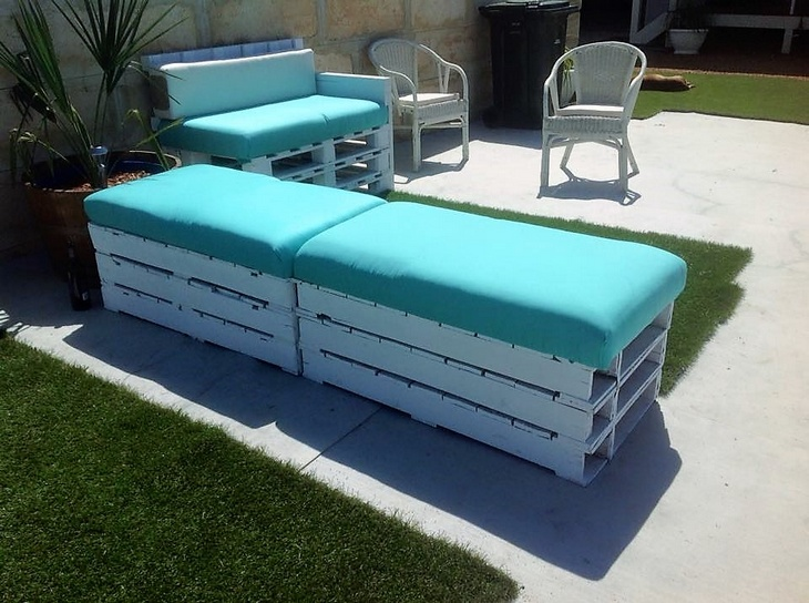 wood-pallet-outdoor-furniture-2