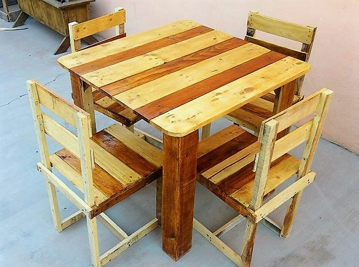 wooden-pallet-furniture-set
