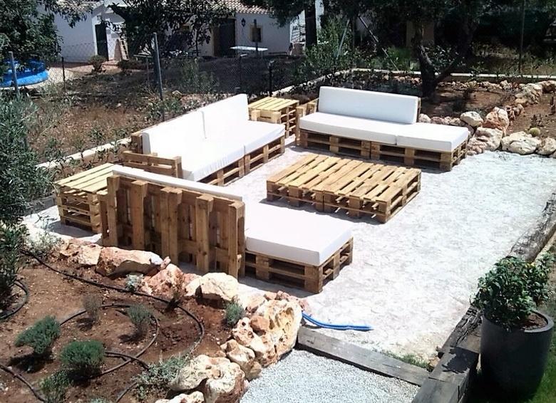 pallet-garden-deck-furniture