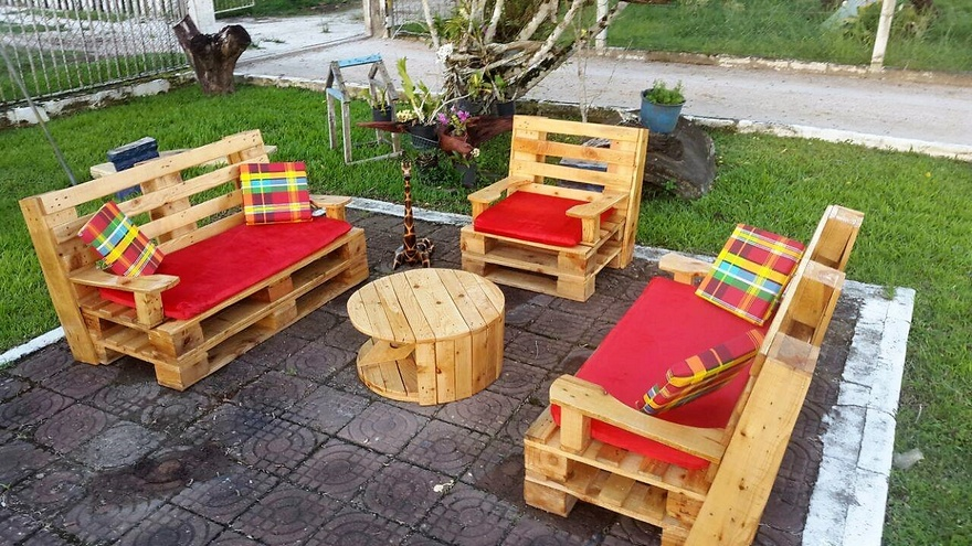 Wooden Pallets Patio Lounge Furniture