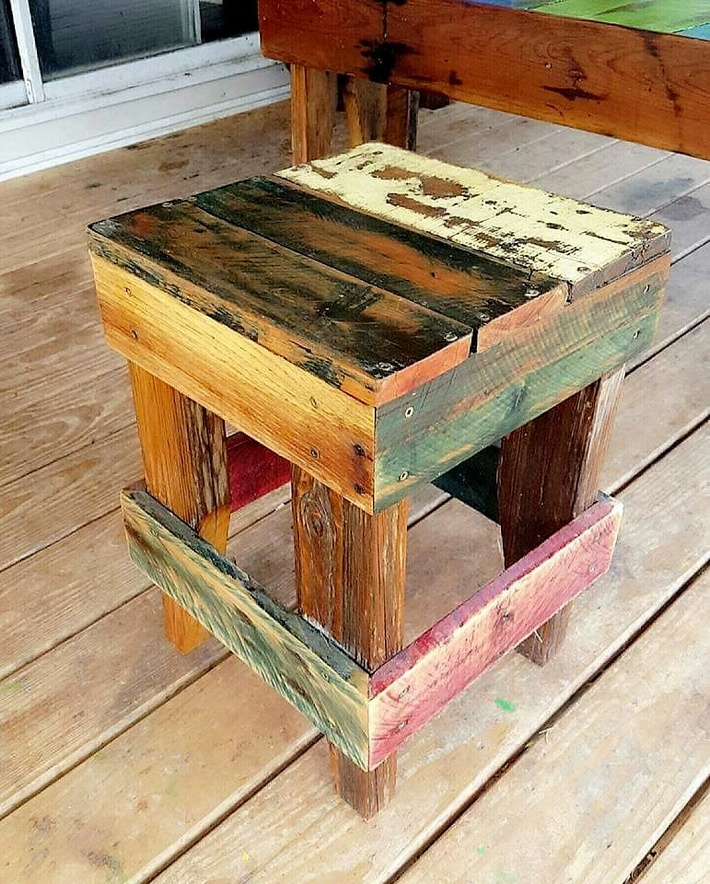 pallet rustic stool