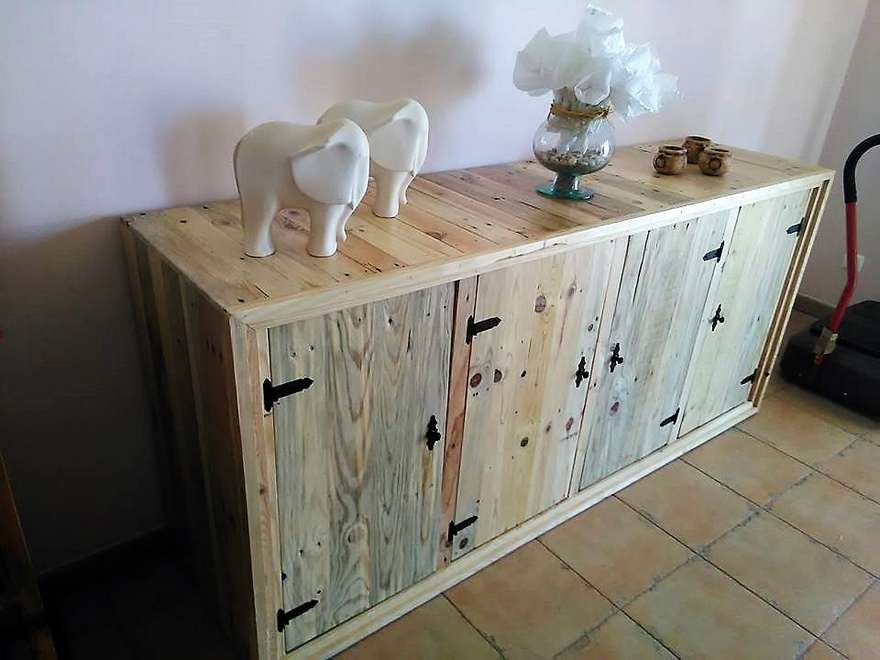 Pallets Entryway Table with Storage Drawers