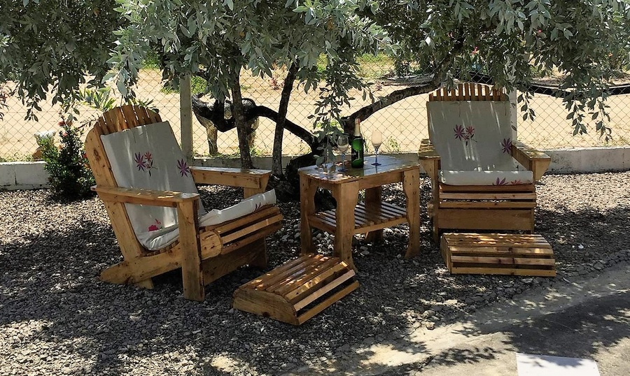pallet wooden outdoor chair set