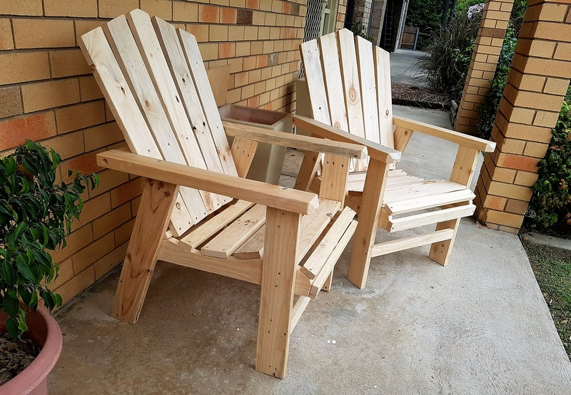 pallets made garden chairs