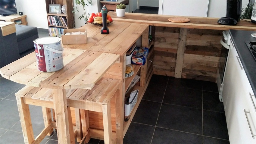 pallets made kitchen storage