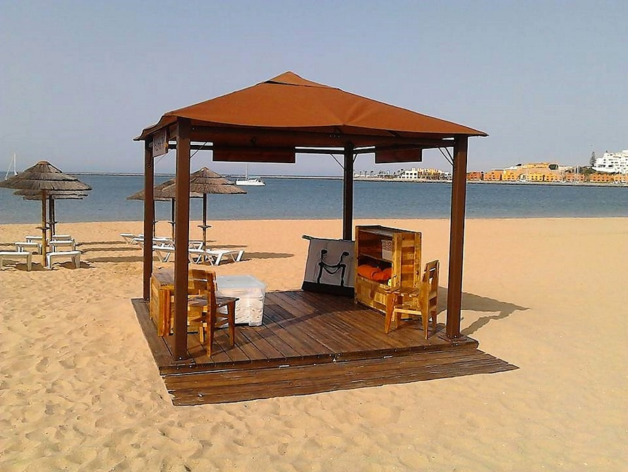 recycled-pallet-beach-spa