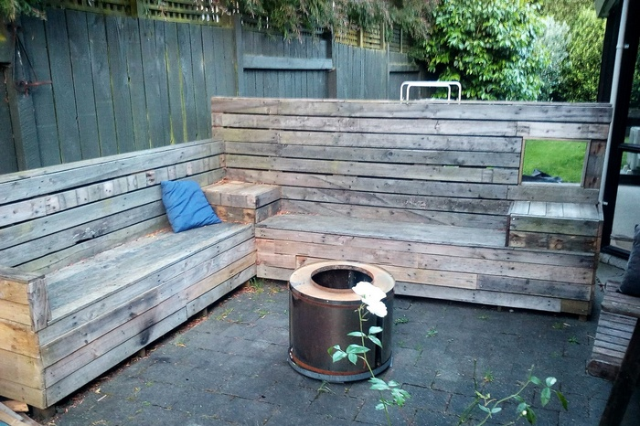 recycled pallet patio seating