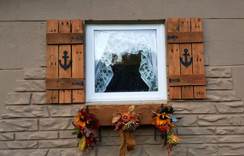 wood pallet patio window wall decor art
