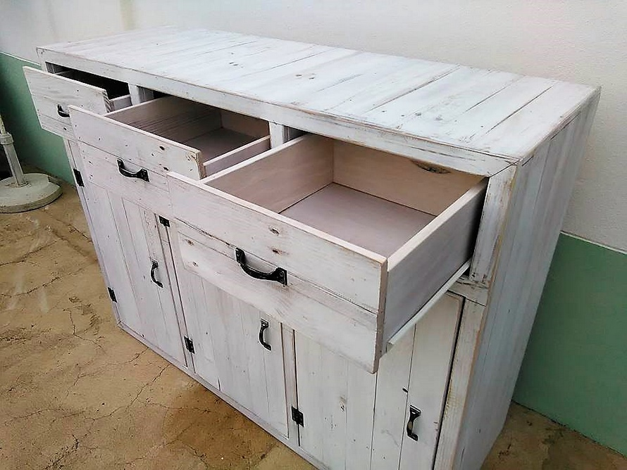 wooden-pallet-chest-drawers