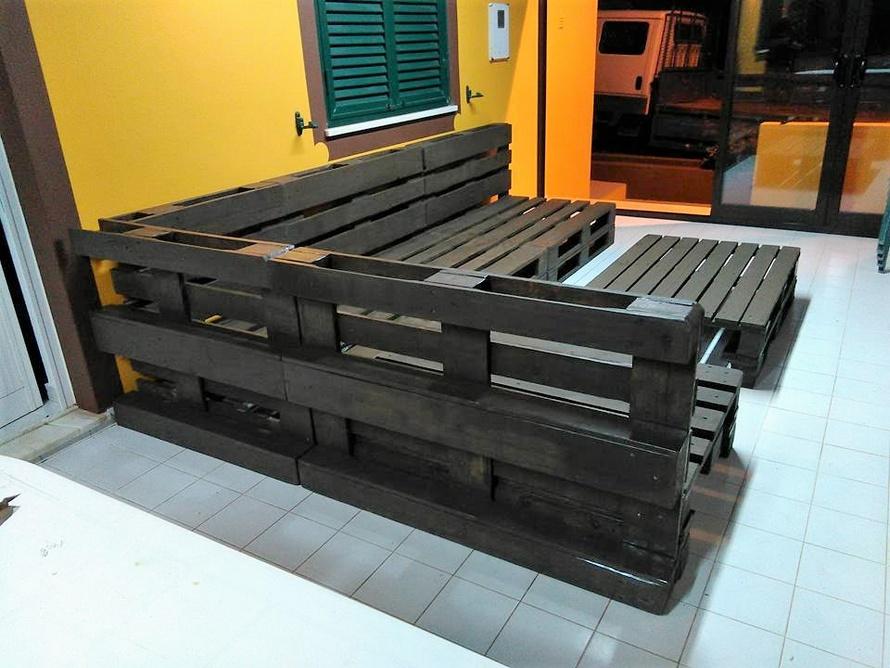 wooden-pallet-sofa