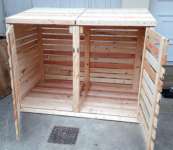 wooden pallet trash can cover