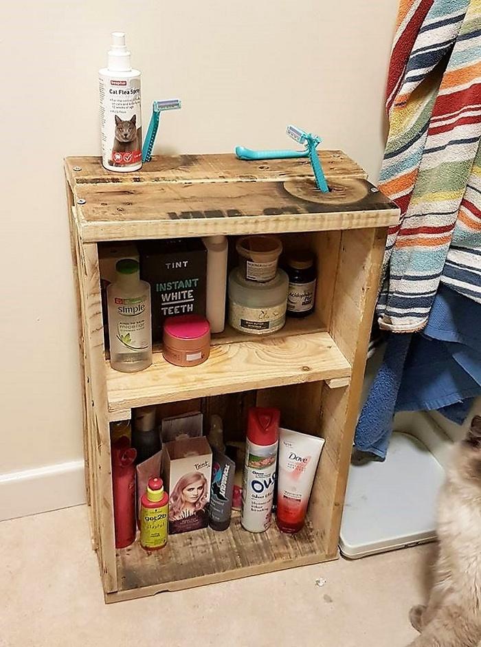 pallet bathroom storage idea