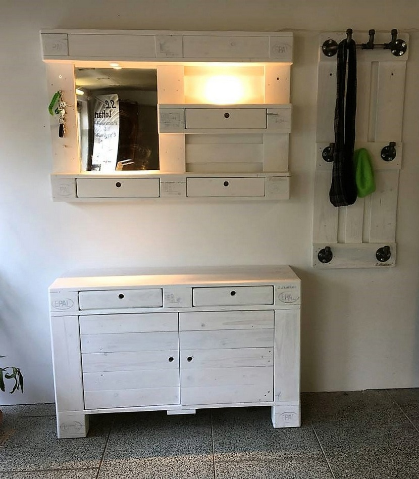 pallet hallway chest with mirror