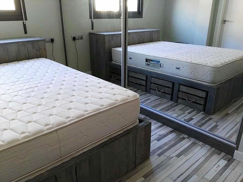 pallet wood bed plan