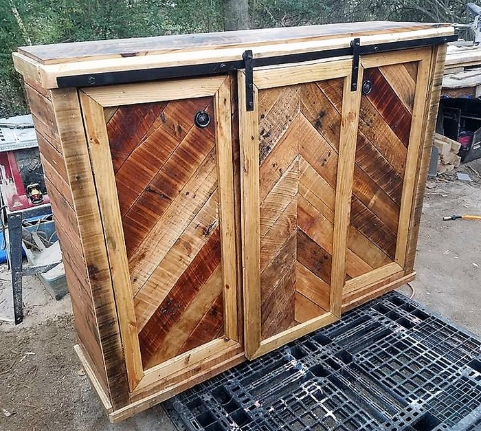Recycled Pallets Entertainment Center