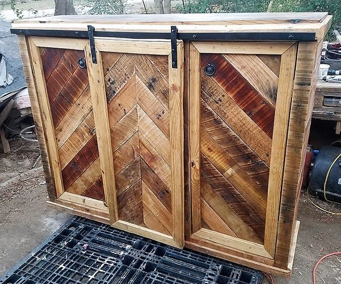 upcycled wooden pallets entertainment center