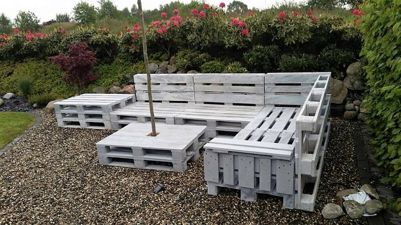 wood pallet garden lounge couch