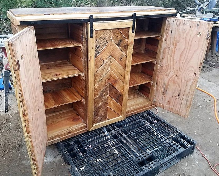 wooden pallets entertainment center