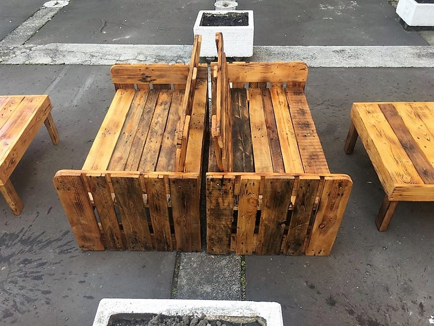 pallet made patio furniture