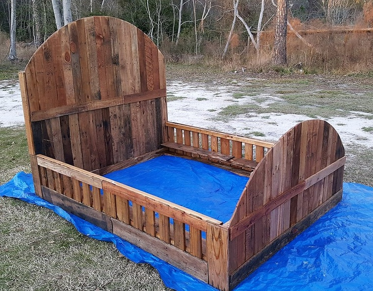 pallet queen size bed frame