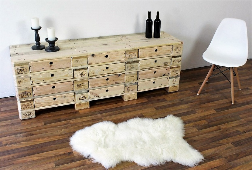 pallets entrywaty table