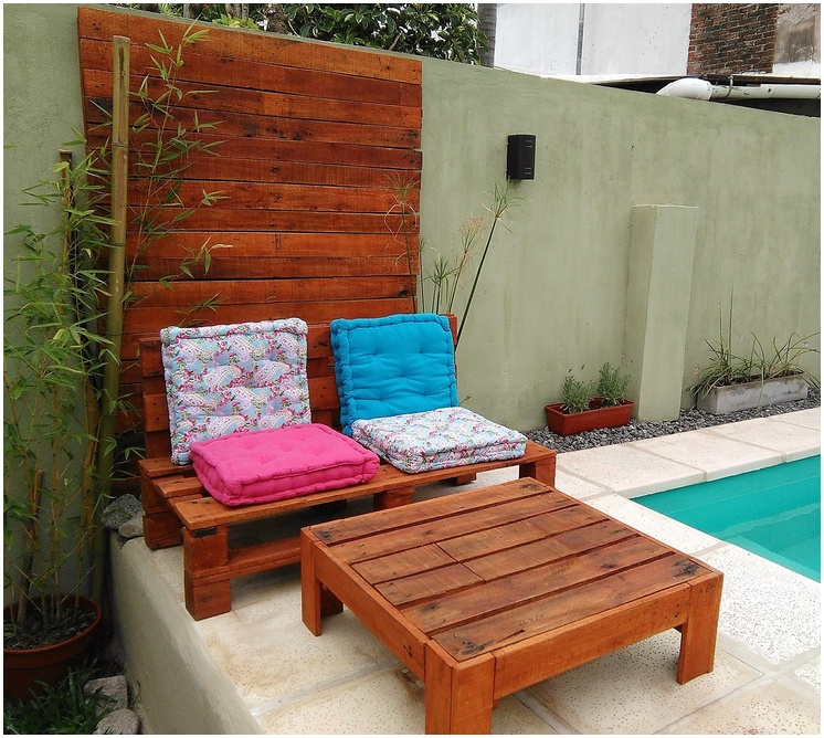 pool side pallet furniture