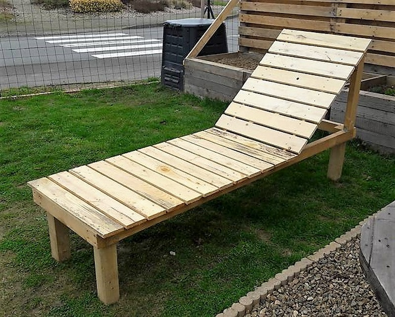 wood pallet lounger
