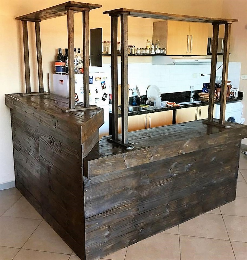 wooden pallet bar idea