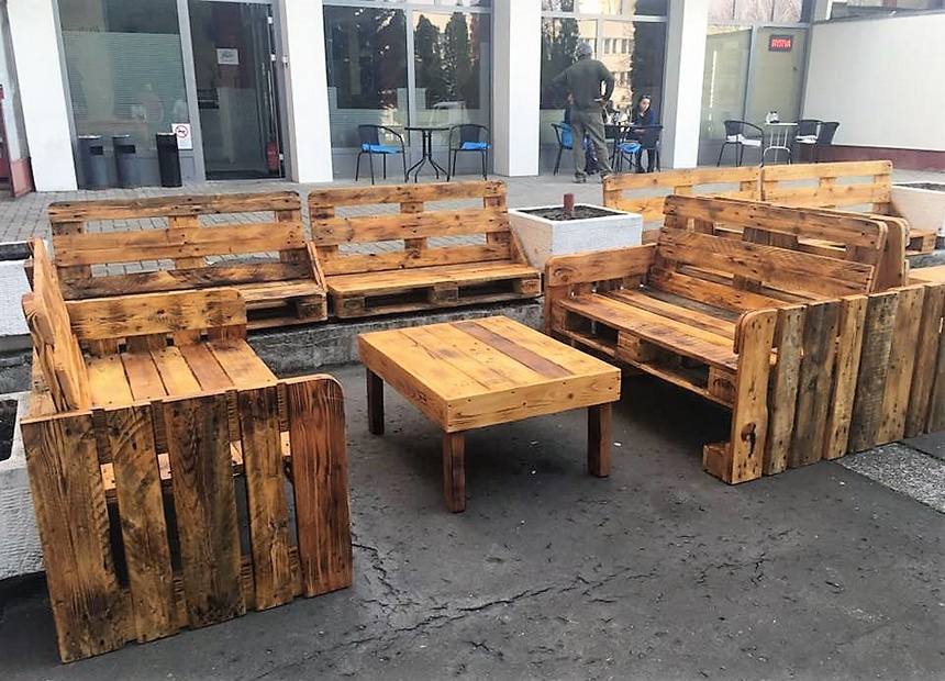 wooden pallet furniture for outdoor