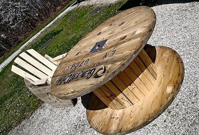 pallet cable reel furniture idea