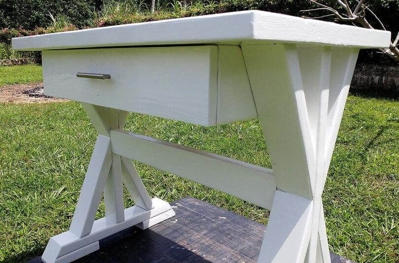 pallet desk idea