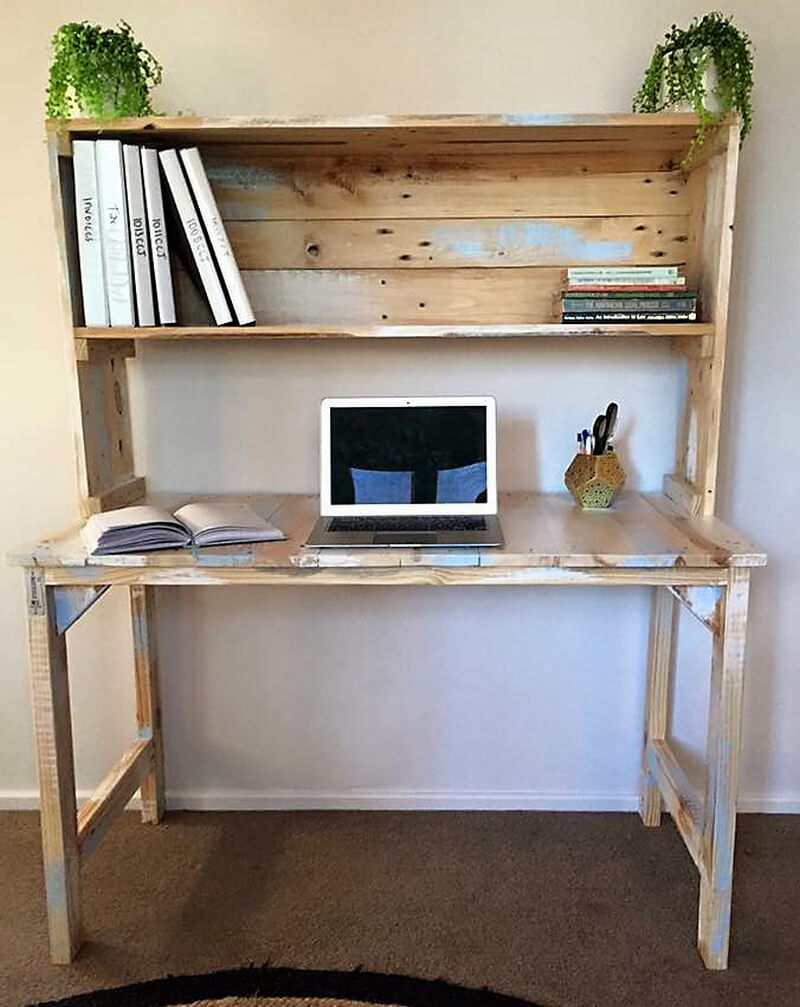 pallets desk plan