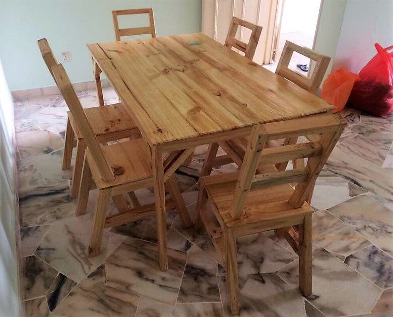 pallets made dining set