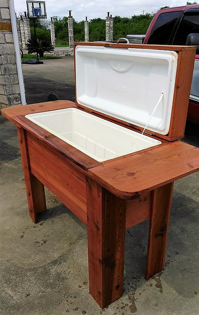 pallets wooden cooler