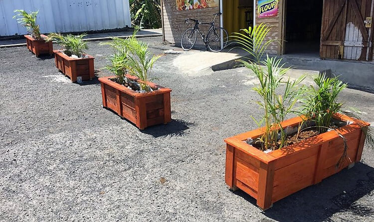 pallets wooden made planters