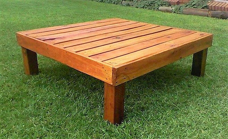 reclaimed pallets table