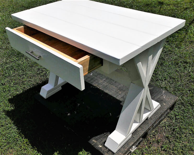 recycled pallet desk plan