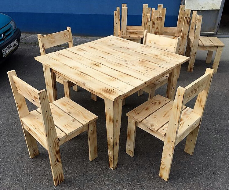 Simple Furniture Set Made With Pallets Wood Wood Pallet